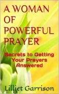 A WOMAN OF POWERFUL PRAYER BOOK COVER